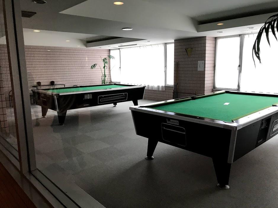 湯沢リゾートマンション2軒目:ビリヤード台