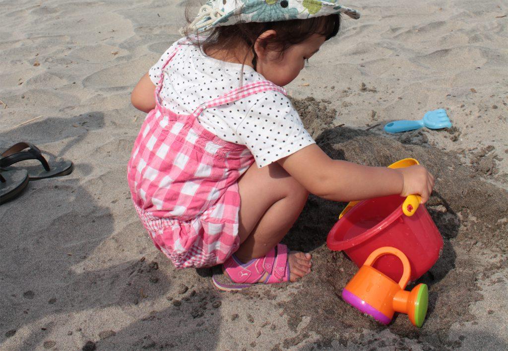 【海水浴に必要な持ち物7】砂遊びセット