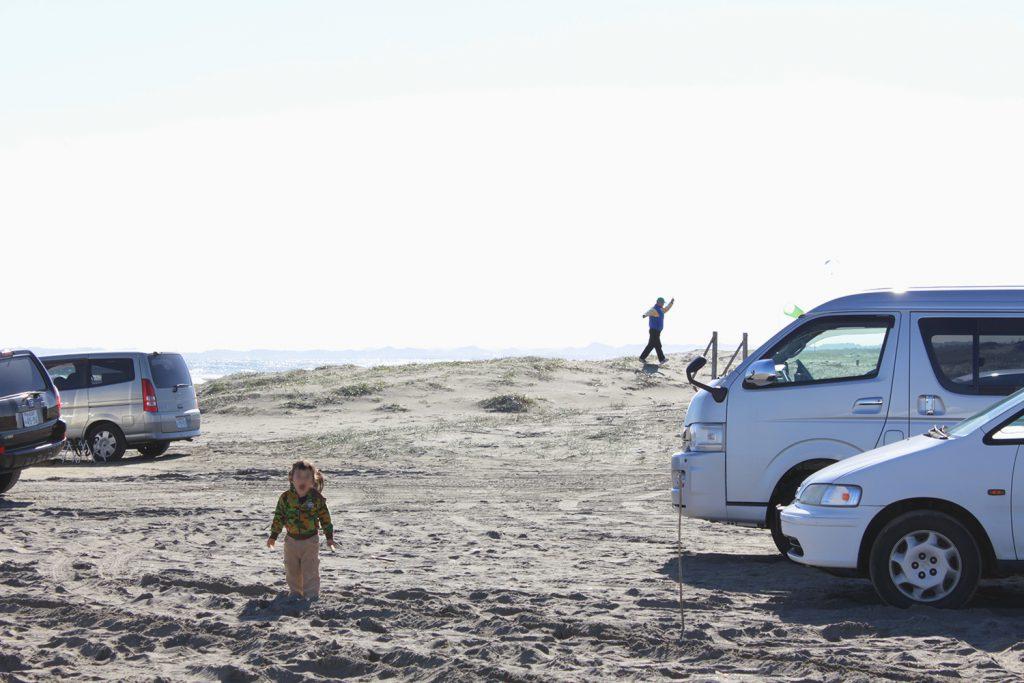 砂浜は四駆でないとハマる