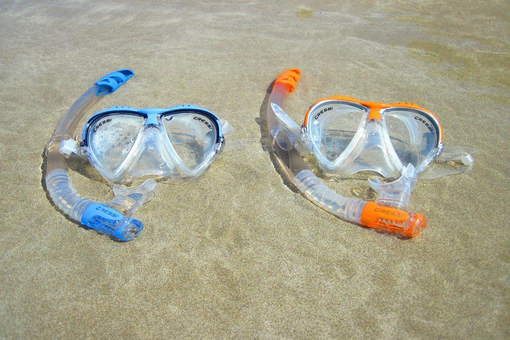【海水浴に便利な持ち物1】水中メガネorシュノーケリングセット