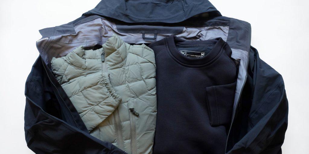 【真冬の車中泊必需品】重ね着できる服装&靴下