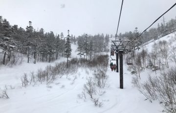 雪不足や暖冬でも滑れるスキー場はどこ!?実際に滑ってきた様子を報告!