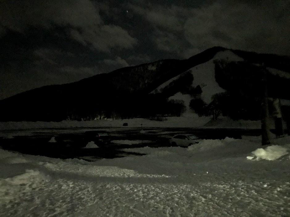 斑尾高原スキー場に車中泊で前泊