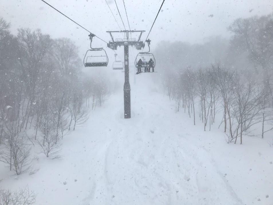 野沢温泉スキー場のやまびこコース