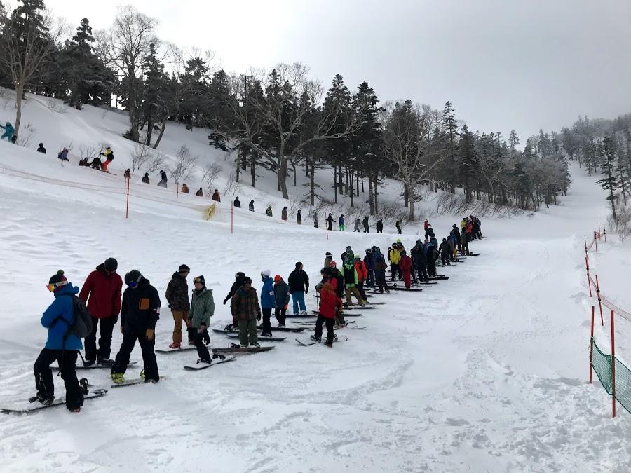 湯沢町 かぐらスキー場ではパウダースノー!