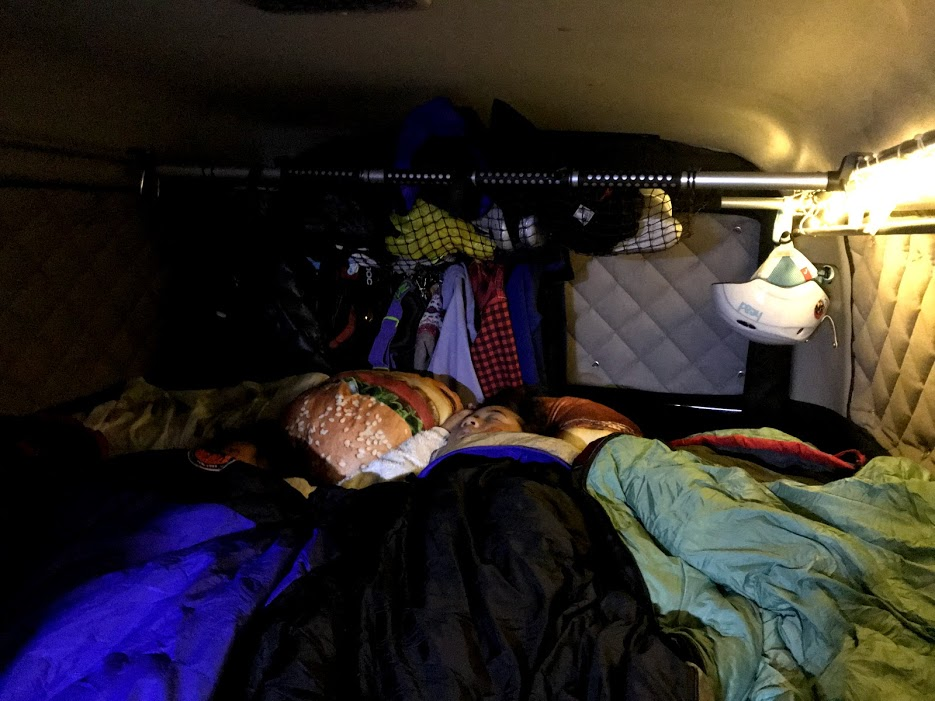 真冬のスキー場車中泊で寝具を試した結論