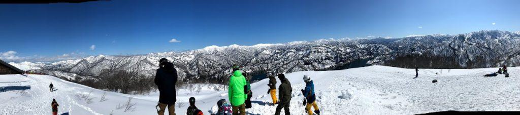 奥只見の山頂は360度山に囲まれた大パノラマ景色!