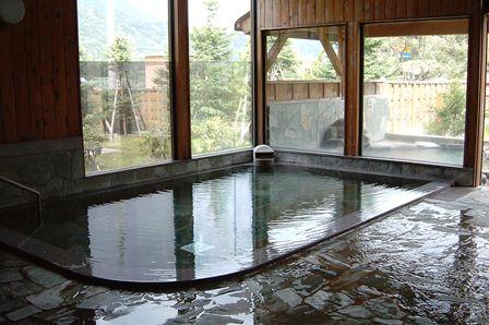 【湯沢の日帰り温泉】街道の湯は雪見風呂がおすすめ