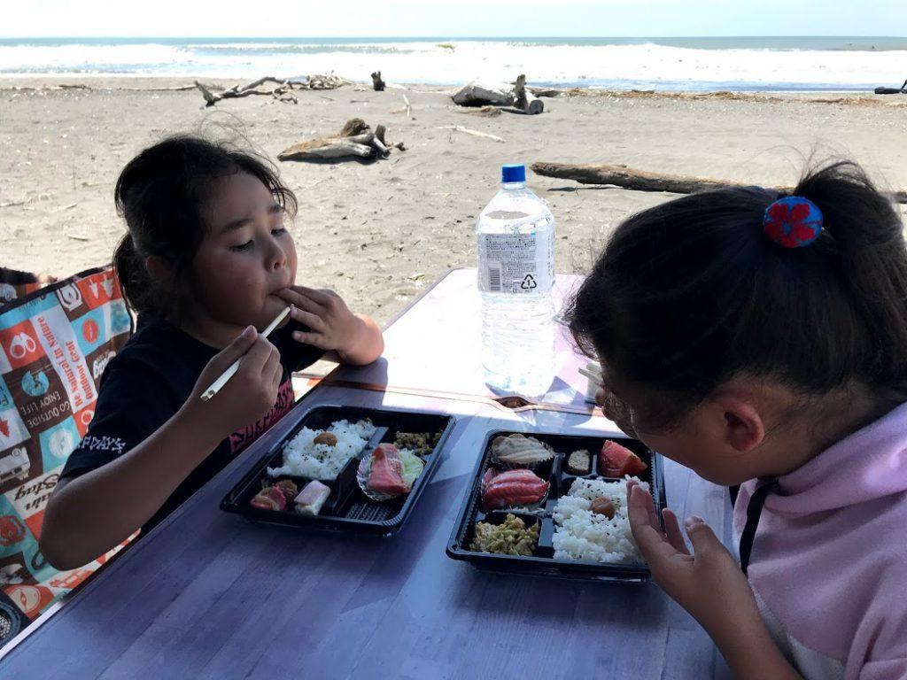 北海道一周車中泊旅7日目:北海道のサーフポイント浜厚真でサーフィン&海遊び