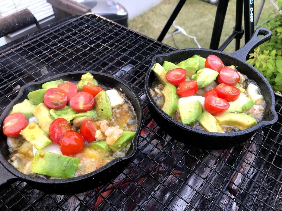 庭キャンプにおすすめご飯・レシピ スキレットでアヒージョ