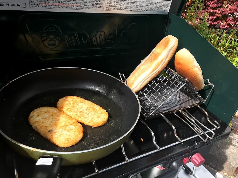 朝食メニュー1:ホットドッグ