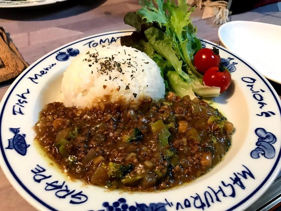 庭キャンプ 夕食メニュー2:ひよこ豆のキーマカレー