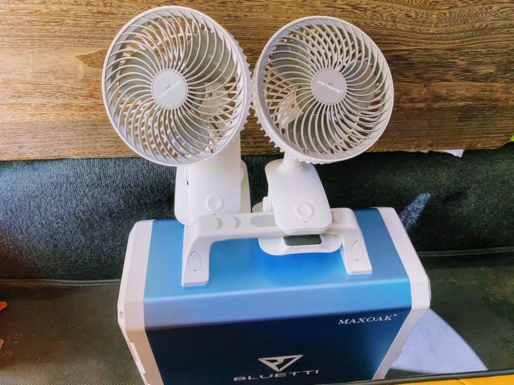 車内テレワークに便利なグッズ:扇風機(夏の場合)