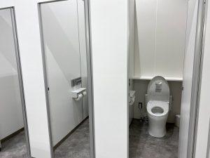 「道の駅恐竜渓谷かつやま」車中泊 トイレの様子