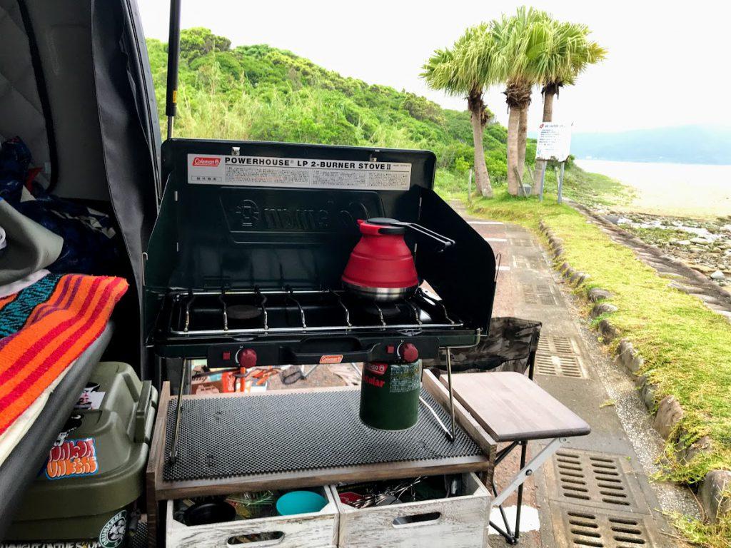 車中泊のためのアイディア2:スライドキッチン