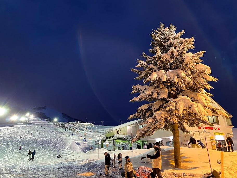 岩原スキー場は平日のナイター休止