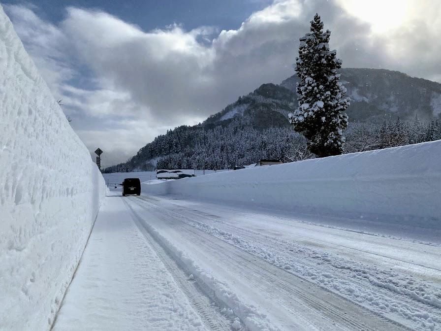 2021年湯沢内の道路の積雪状況