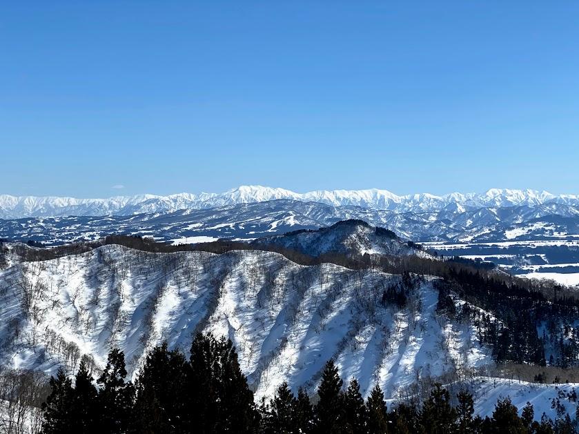 絶景が望めてパウダーも楽しめるスキー場